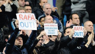 Chelsea Fans Want Rafa Out