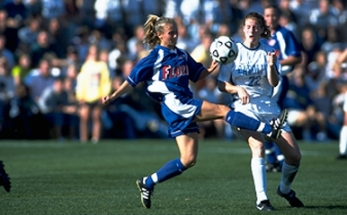 Heather Mitts playing against UNC in 1998