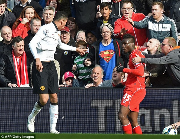 Mario Balotelli Being Held Back by Liverpool Supporters